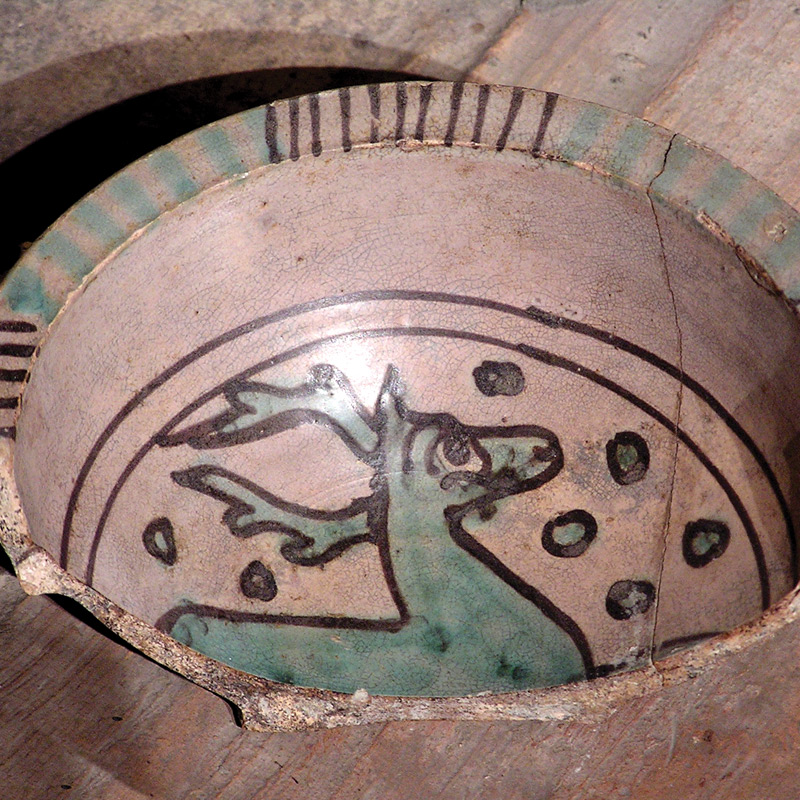 bowl fragment with deer - 14th century